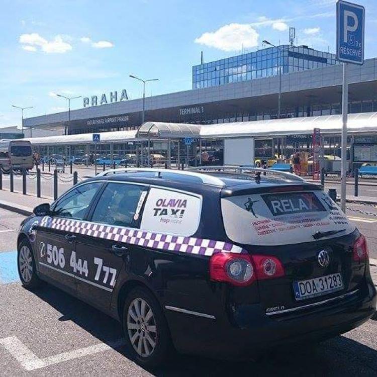 Kolejny raz Olavia na lotnisku w Pradze