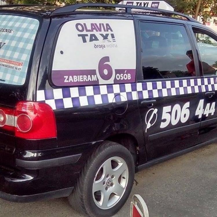 Van Olavia Taxi
