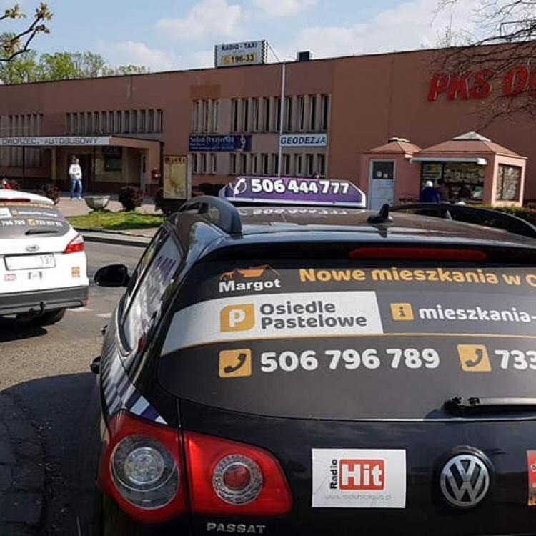Reklamy na tylnich szybach naszych taksówek