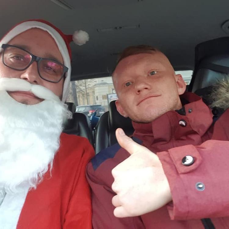Zdjęcie z Mikołajem w taksówce