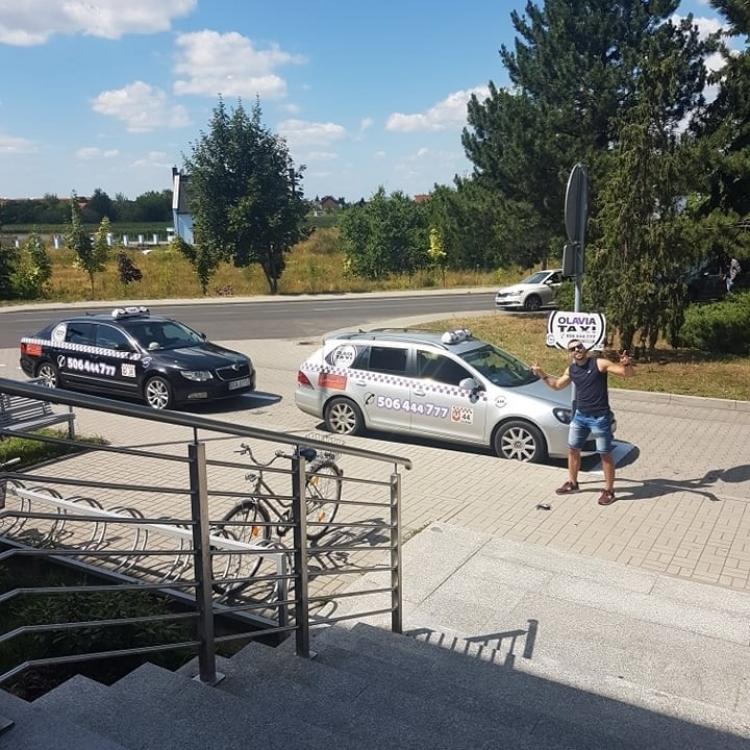 Postój Taxi w Oławie przy szpitalu