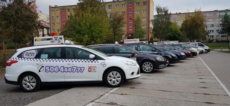 Dlaczego warto zamawiać taxi w Oławie przez aplikację?